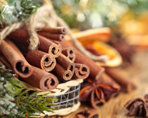christmas-scents-cinnamon_rswao9